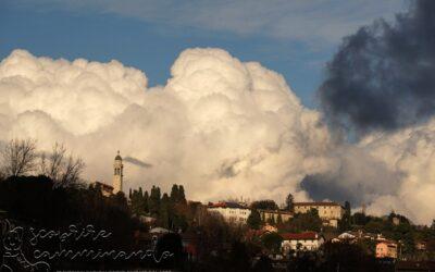 La testa tra le nuvole